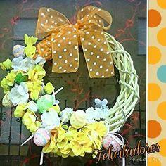 Ghirlanda pasquale colorata e floreale adatta anche per tutto il tempo primaverile...