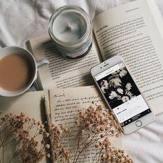 books, coffee, tea — like-fairy-tales: By:. Cream Aesthetic, Brown Aesthetic, Autumn Aesthetic, Aesthetic Photo, Aesthetic Pictures, Music Aesthetic, Flatlay Instagram, Instagram Look, Photo Instagram