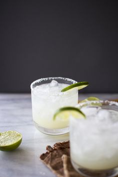 Who's up for margaritas this weekend? How to Make the Perfect Margarita on the Rocks | Flourishing Foodie