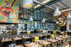 Modern industrial style in this trendy and colourful Paris airport restaurant - Home & Decor Singapore Paris Orly, Airport Restaurants, Cafeteria Design, Floor To Ceiling Bookshelves, Library Cafe, Paris Airport, Passive Solar Homes, Cafe Concept, Dog Cafe