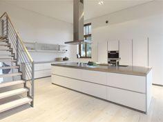 Ideen für Kücheninsel * Kochinsel in weiß * moderne Küchenideen