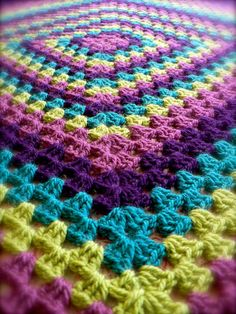 Granny Square Blankets - love this color combo