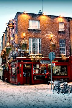 Christmas in Temple Bar, Dublin, Ireland