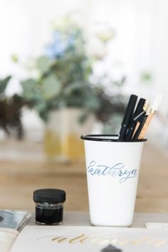 Calligraphy class: http://www.stylemepretty.com/living/2015/02/27/the-art-of-hand-lettering/ | Photography: Kathryn McCrary - http://www.kathrynmccrary.com/