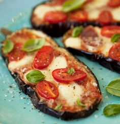 "grilled and baked aubergine 'pizza' -- eggplant is a great ""no crust"", low carb option that allows you to use your fave toppings! #lowcarb"