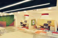 Iluminación interior por Luxycon para la Cámara de Comercio Bogotá.  Diseñado por Arquin-Nou.  #Iluminación #IluminaciónInterior #Light #Lighting #Lightdesign #Led #Interior #Interiordesign #Arquitectura #Architecture #Oficina #Office #Diseño #Design #IluminaTusIdeas #Luxycon