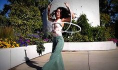 Pick Up the World with Breezi | Hooping.org. Neat double hoop trick to learn