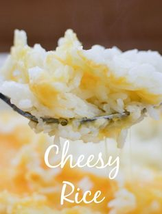 A perfect family friendly side dish, This cheesy rice recipe will complement any dinner….gonna try this with orzo! Rice Cooker Recipes, Rice Recipes, Side Dish Recipes, Great Recipes, Cooking Recipes, Favorite Recipes, What's Cooking, Rice Side Dishes, Rice