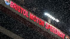 Bruton Smith wanted to put a roof over Bristol Motor Speedway https://racingnews.co/2017/03/10/bristol-motor-speedway-roof-discussed-by-bruton-smith/ #bristolmotorspeedway
