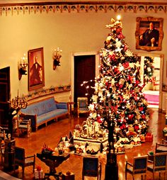 Christmas at the White House - Blue Room