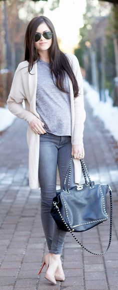 Long Cardigan Outfit: Rachel Parcell is wearing a long white cashmere cardigan from Nordstrom