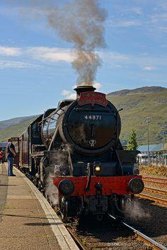 The Royal Highlander train    SCOTLAND 2012 - Fort William