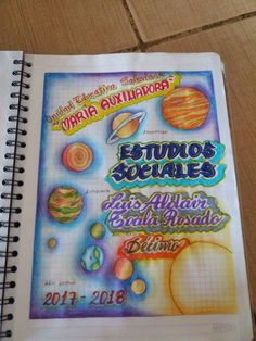 Portada de planetas Page Borders Design, Border Design, Diy Arts And Crafts, Paper Crafts, Hig School, Notebook Art, Diy Back To School, Doodles, School Notebooks