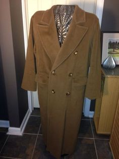 Wool & Cashmere Coat By MaxMara Sz  8 Made N Italy Exec Cond Sexy