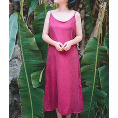 ru.aliexpress.com store product 2015-Summer-Style-Vintage-Sleeveless-Strap-Dress-New-Women-Solid-Color-Silk-Dress-Loose-Plus-Size 811228_32391255724.html?spm=2114.12010612.0.0.xdq6JK