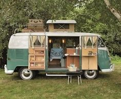 Plan the perfect holiday with a camping caravan – we will give you useful tips for organizing the trip, so you can enjoy your deserved break to the maximum! A camping caravan holiday gives yo… Vw Camper Bus, Volkswagen Camping Car, Vw Caravan, Vw Camping, Camping Site, Camper Life, Vintage Volkswagen Bus, Caravan Shop, Volkswagen Bus Interior