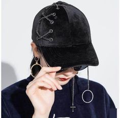 Handsome chain baseball cap for women soft veltvet hat autumn wear