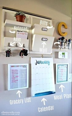 Command Center Wall for Busy Moms - Has clutter got you down? Learn how to make your own functional family command center and stop feel -DIY Command Center Wall for Busy Moms - Has clutter got you down? Learn how to make your own functional. Home Organisation, Kitchen Organization, Organization Ideas, Closet Organization, Storage Ideas, Family Organization Wall, Calendar Organization, Organization Station, Storage Hacks