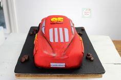 Rayo McQueen Cake paso a paso| Natalia Salazar - Disney Cars Party, Disney Cars Birthday, Lighting Mcqueen Cake, Bussines Ideas, Mc Queen, Cakes, Projects, Top, Car Cakes