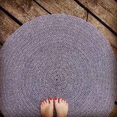 Nowy chlopak:) szydełkowy dywan kolor szary melanż-cudny Pytania prosimy kierować na @. #mamuki #handmade #homedecor #homedesign #decoration #decor #szary #grey #interiordesign #newproject #crochet #cord #cottoncord #recznierobione #recznarobota #dywan #carpet #szydelko #dywanik #wnetrza