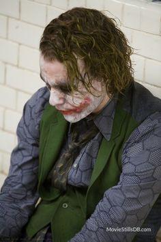 Heath Ledger as Joker El mejor villano. Le Joker Batman, Batman Joker Wallpaper, Der Joker, Heath Ledger Joker, Joker Wallpapers, Joker Art, Joker And Harley Quinn, Joker Photos, Joker Images