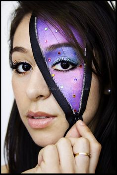 Attempting this for Halloween at school... Maybe making the inside an avatar... :)