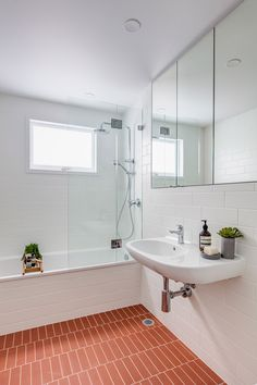 Home Decor Bathroom CO-AP Renovated and Extended a Typical Suburban Home in Sydney - InteriorZine Home, Modern Bathroom, Bathroom Remodel Tile, Bathroom Decor, Small Bathroom Remodel, Bathrooms Remodel, Tile Remodel, Diy Bathroom Remodel, House Interior