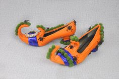 perfect Halloween decoration!  If you put these fantastic shoes right outside the door, #handmade