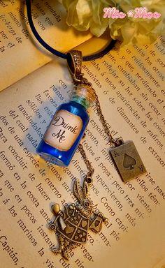 Alice in Wonderland Drink Me Vial Necklace Drink Me by MieMoeShop