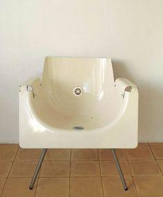 Silla hecha con una bañera
