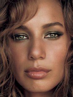 Leona Lewis ..............green eyes