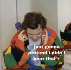 Harry Styles Memes, Harry Styles Pictures, One Direction Humor, One Direction Pictures, Stupid Memes, Funny Memes, Foto One, Response Memes, Funny Reaction Pictures