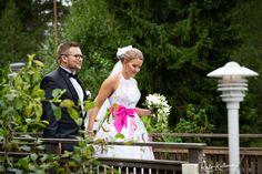 #valokuvaaja #hääkuvaaja #hääkuvaajaturku #häät2018 #häät2019 #destinationphogography #ristokuitunen #weddingphotography #igkuvaajat #beloved #love #portrait #belovedstories #potrettikuvaus #ammattikuvaaja #potrettikuvaaja #summerwedding #happymoment #bride #groom Table Decorations, Furniture, Home Decor, Decoration Home, Room Decor, Home Furnishings, Home Interior Design, Dinner Table Decorations, Home Decoration