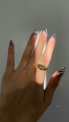 Chic Nails, Stylish Nails, Swag Nails, Edgy Nails, Trendy Nail Art, Easy Diy Nail Art, Black White Nails, Funky Nail Art, Nagellack Design