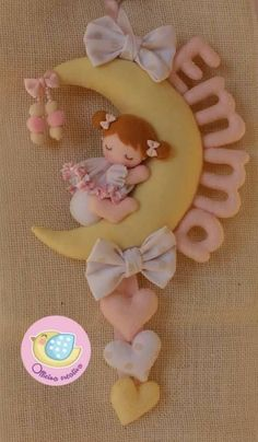45 ideas craft felt pattern feltro for 2019 Baby Crafts, Felt Crafts, Diy And Crafts, Sewing Projects, Projects To Try, Felt Wreath, Felt Baby, Baby Mobieltjes, Felt Patterns