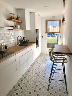 galley kitchen layouts Galley Kitchen Remodel Ideas (Small Galley Kitchen Design, Makeovers, and Plans) - - Galley Kitchen Design, Small Galley Kitchens, Galley Kitchen Remodel, Modern Farmhouse Kitchens, Farmhouse Kitchen Decor, Home Decor Kitchen, Kitchen Interior, New Kitchen, Home Kitchens
