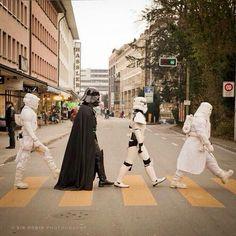 Abbey Road in the Empire Darth Vader, Stormtrooper, L Wallpaper, Star Wars Wallpaper, Images Star Wars, Star Wars Pictures, Star Wars Fan Art, Star Trek, Cinema Art