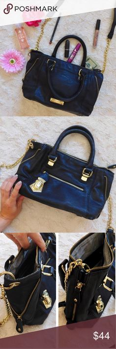 Steve Madden Black Satchel Handbag In excellent like new condition with the exception of two tiny flaws on the bottom of the bag {last photo}. Otherwise like-new condition. Super cute and versatile, you can zip up the sides for a totally new look. Comes with the long shoulder strap. Smoke/pet free home. Ask all questions before buying💓 NO trades!❌🙅🏻 Bundle for a discount! 🎉 •other items pictured NFS• Steve Madden Bags Shoulder Bags