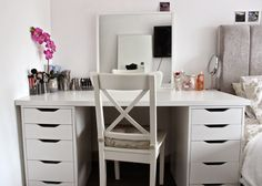 Makeup desk chair - Sitting in front of the makeup desk chair before leaving for activity is a normal thing to do. Makeup Vanity Furniture, Makeup Desk, Makeup Rooms, Makeup Vanities, Girls Bedroom Furniture, Bathroom Furniture, Home Furniture, Bedroom Ideas, Furniture Ideas