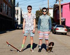 Shorts con patrones y foto en la calle