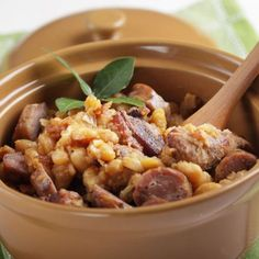 We love delicious, filling dinners, and recipes that simplify the cooking process for us are really the best! This slow cooker cassoulet is a winning recipe, so check it out and plan out your tasty dinner! Pork Recipes, Slow Cooker Recipes, Cooking Recipes, Pasta Recipes, Recipies, Slow Cooking, Toulouse, Recipes, French Tips