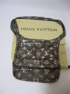 Mesh Metal LV bag. I NEED THIS IN MY LIFE!