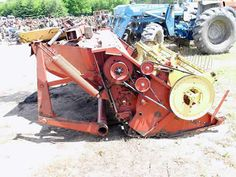 New Holland 488 hay equipment salvaged for used parts. This unit is available at All States Ag Parts in Black Creek, WI. Call 877-530-2010 parts. Unit ID#: EQ-24352. The photo depicts the equipment in the condition it arrived at our salvage yard. Parts shown may or may not still be available. http://www.TractorPartsASAP.com