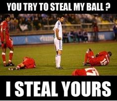 funny memes about soccer wallpapers Funny Soccer Pictures, Funny Football Memes, Funny Sports Memes, Sports Humor, Stupid Funny Memes, Soccer Humor, Soccer Stuff, Hilarious, Funny Photos