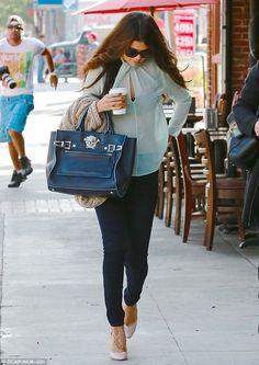 Selena Gomez Starbucks October 3 2013