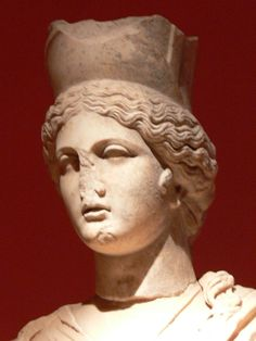 Antalya Archaeological Museum. Perge collections: Statue of Tyche - detail.