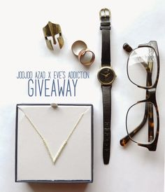 Minimalist Gold V Necklace #Giveaway on JooJoo Azad + Eve's Addiction! Ends January 18 and is open internationally!