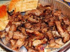 Χοιρινός γύρος σπιτικός εύκολα και γρήγορα, που θα λατρέψουν όλοι. Μπορείτε να χρησιμοποιήσετε τις έτοιμες πίτες για σουβλάκι ή αν έχετε χρόνο και διάθεση να φτιάξετε δικές σας ακολουθώντας κάποια από τις συνταγές που υπάρχουν εδώ στο σάιτ. Savoury Dishes, Tasty Dishes, Food Dishes, Cookbook Recipes, Pork Recipes, Cooking Recipes, Food Network Recipes, Food Processor Recipes, The Kitchen Food Network
