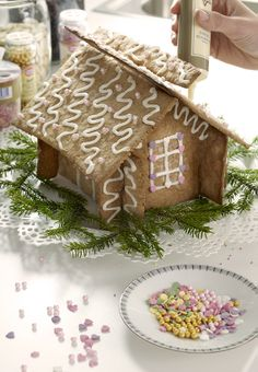 Amazing - they slot together! No more having to make it 24 hours in advance and holding it all together and hoping it stays put :) gingerbread house cutter set - IKEA Ikea Christmas, Christmas Hearts, Christmas 2015, Christmas Cookies, Christmas Things, Baking Gadgets, Make A Gingerbread House, Galletas Cookies, Exotic Food