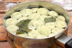 Этот вариант пельменей увидела, когда гостили у родственников на Дальнем Востоке. По вкусу, отменные получаются. А аромат какой!